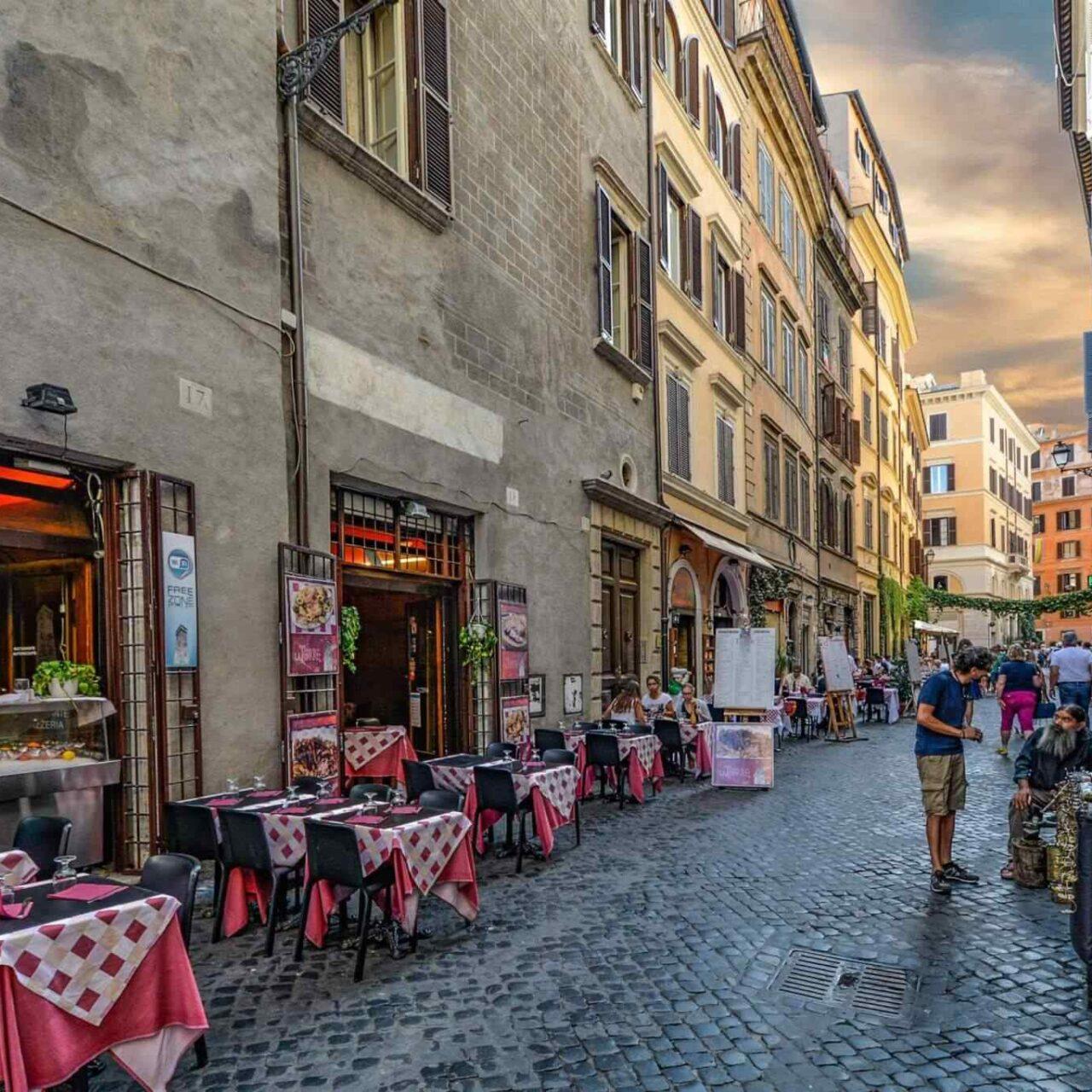 https://baumap.hu/wp-content/uploads/2017/10/restaurant-italian-6-1280x1280.jpg
